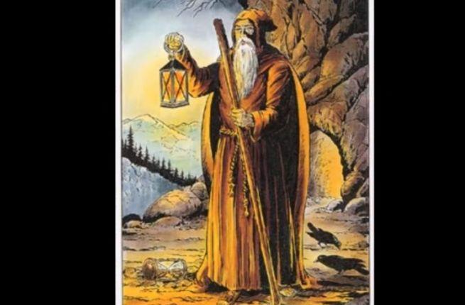 """Роль """"Монаха """"в гаданиях на состояние здоровья и самопознание"""