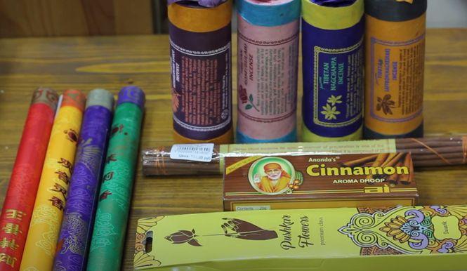 ароматические палочки помогают